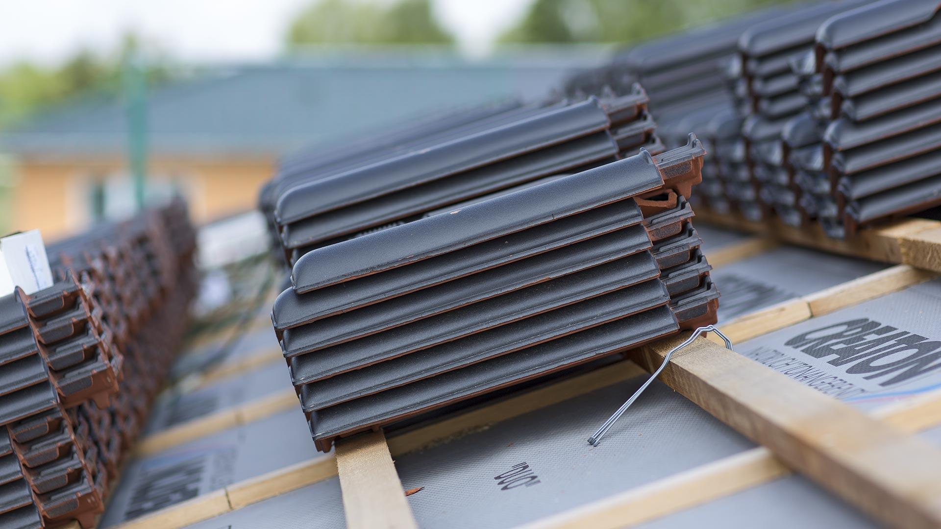 Architekturfotografie: Dachziegeln – Stapel | Foto: Dieter Eikenberg, imprints