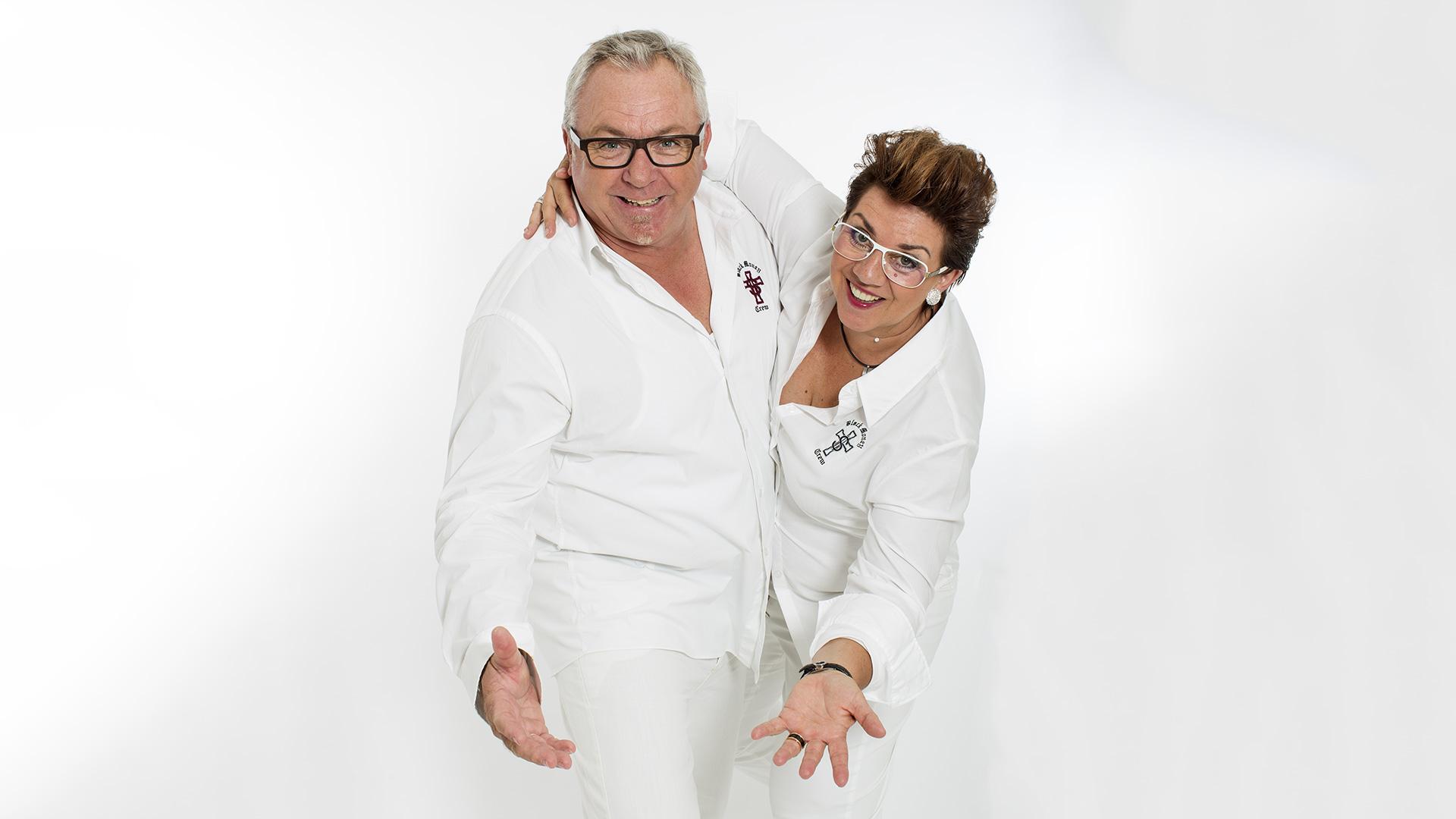 Ehepaar in Weiß