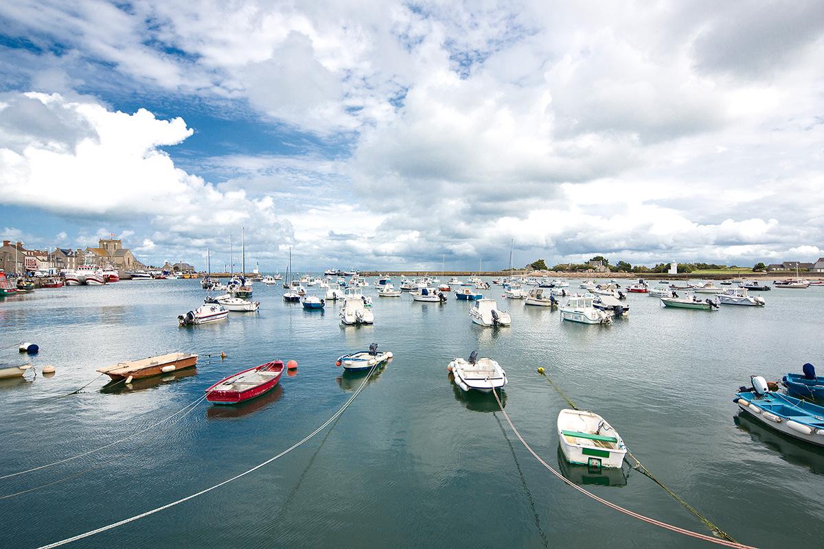 Landschaftsfotografie, Regionalporträt: Boote im Hafen von Barfleur, Normandie | Foto: Dieter Eikenberg, imprints
