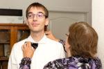 Hochzeitsfotografie: Hochzeitsvorbereitung: Mutter greift ein | Foto: Dieter Eikenberg, imprints