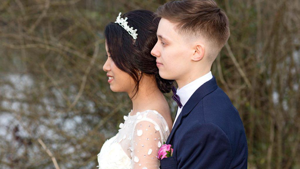 Hochzeitsfotografie: Hochzeitspaar vor Seenlandschaft | Foto: Dieter Eikenberg, imprints