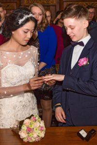Hochzeitsfotografie: Hochzeitspaar, Eheringe | Foto: Dieter Eikenberg, imprints