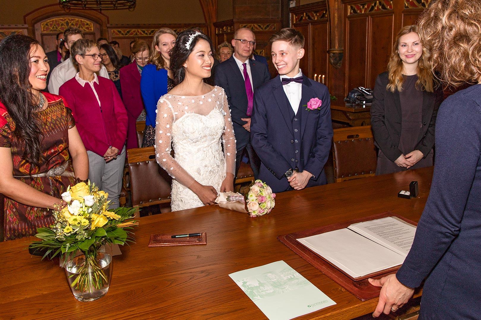 Hochzeitsfotografie: Hochzeitspaar, Standesamt | Foto: Dieter Eikenberg, imprints