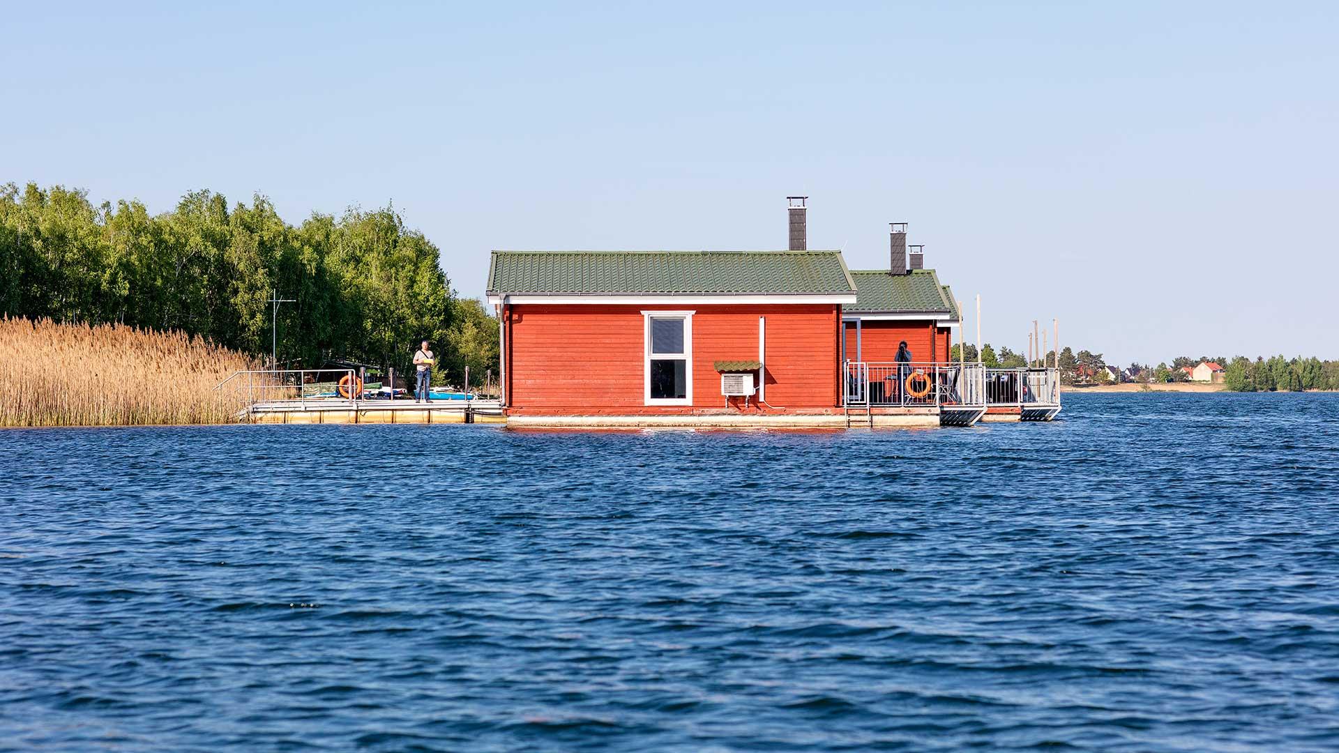 Landschaftsfotografie: Schwimmende Häuser am Bergwitzsee | Foto: Dieter Eikenberg, imprints