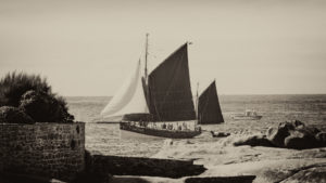 Landschaftsfotografie: Côte de Granit Rose – Bretonisches Segelschiff | Foto: Dieter Eikenberg, imprints