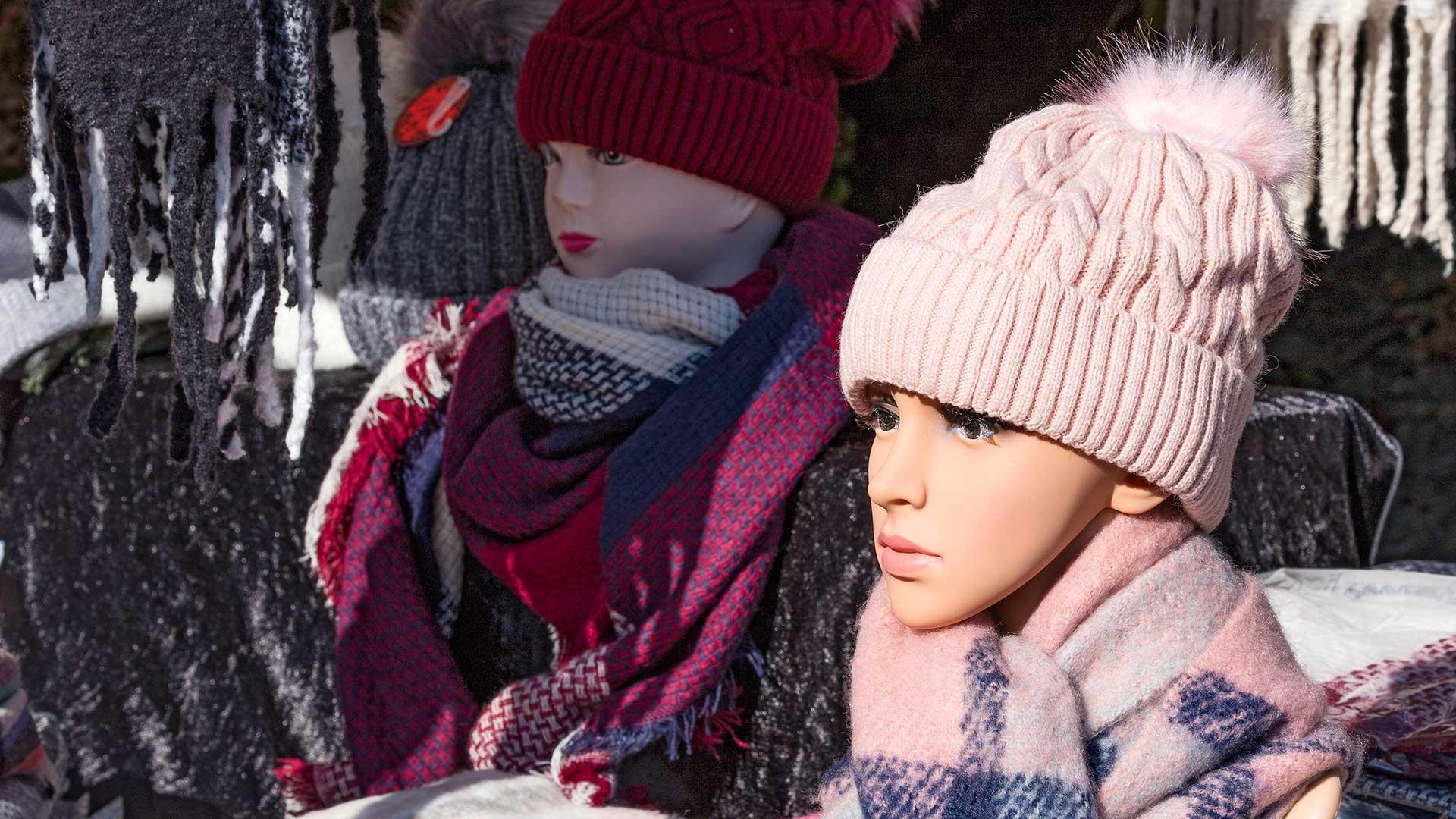 Regionalporträt: Bretagne Märkte – Puppen | Foto: Dieter Eikenberg, imprints
