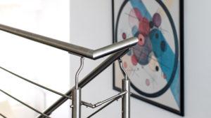 Architekturfotografie, Innenarchitektur: Geländer vor Bild   Foto: Dieter Eikenberg, imprints
