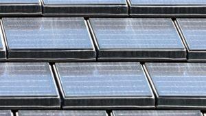 Architekturfotografie: Dachziegeln mit integrierten Solarzellen   Foto: Dieter Eikenberg, imprints