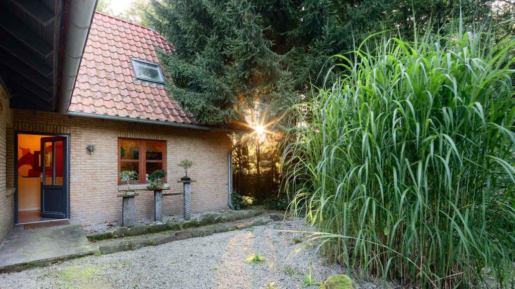 Haus mit Sonnenstrahl | Foto: Dieter Eikenberg