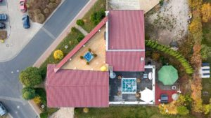 Architekturfotografie, Drohne: Luftaufnahme Haus mit Grundstück   Foto: Dieter Eikenberg, imprints
