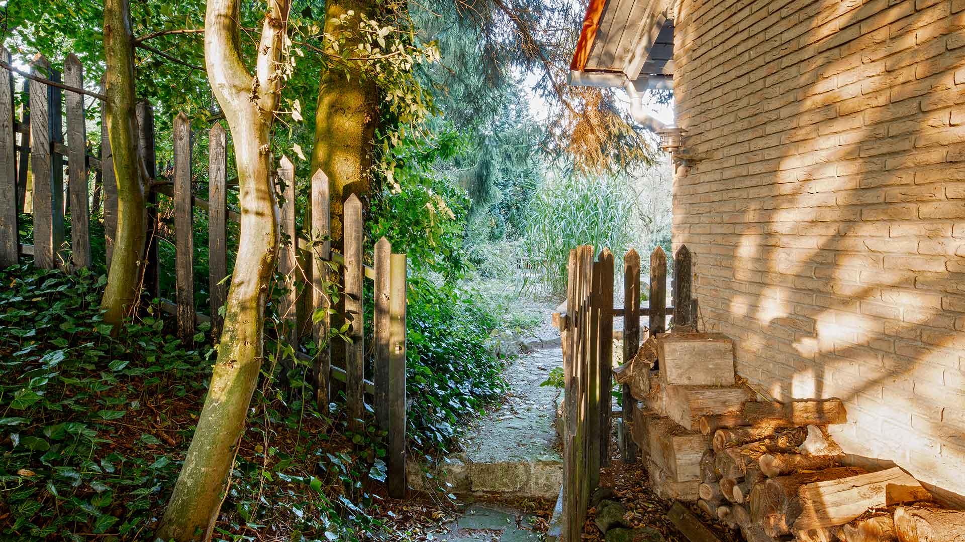 Architekturfotografie: Lichtspiele Seiteneingang | Foto: Dieter Eikenberg, imprints