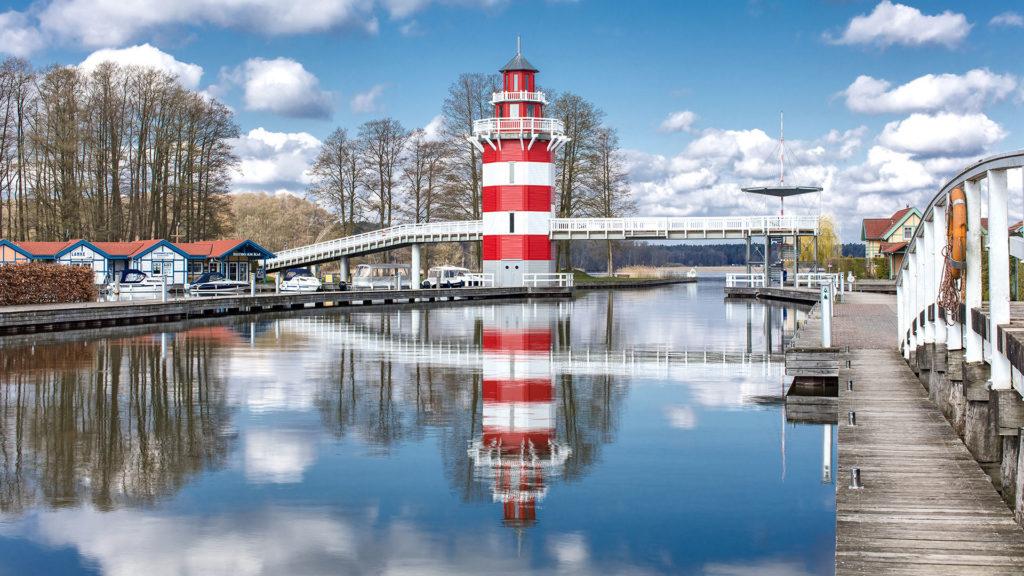 Architekturfotografie, Landschaftsfotografie: Leuchtturm, Rheinsberg, Hafendorf | Foto: Dieter Eikenberg, imprints