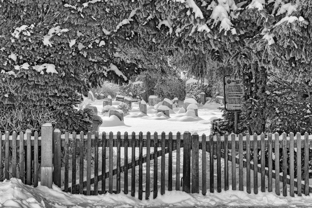 Friedhof Rosdorf im Schnee